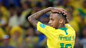 Neymar en un partido con Brasil