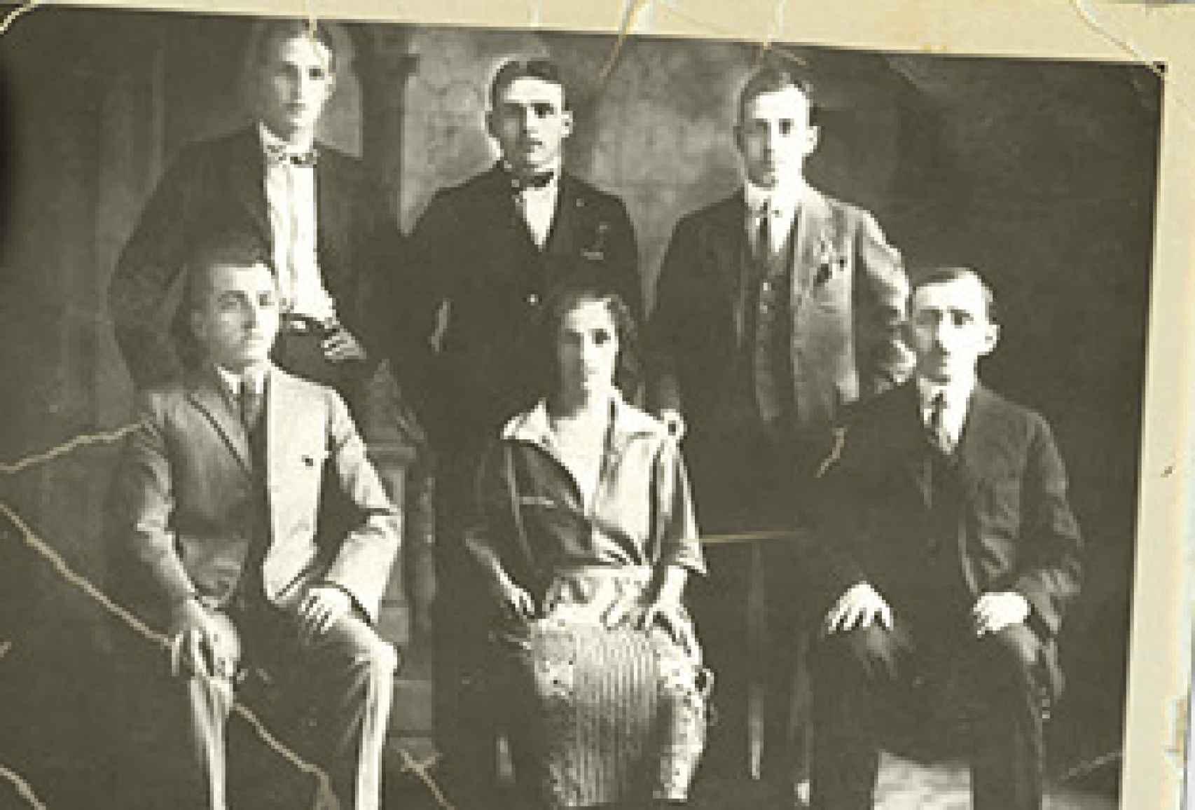 Los seis hermanos Gómez Cuétara que se marcharon a México.