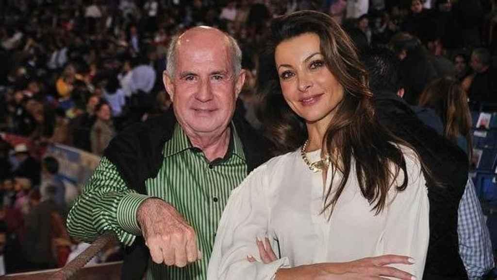 Silvia Gómez Cuétara, junto a su nueva pareja, Juan Antonio Pérez-Simón.
