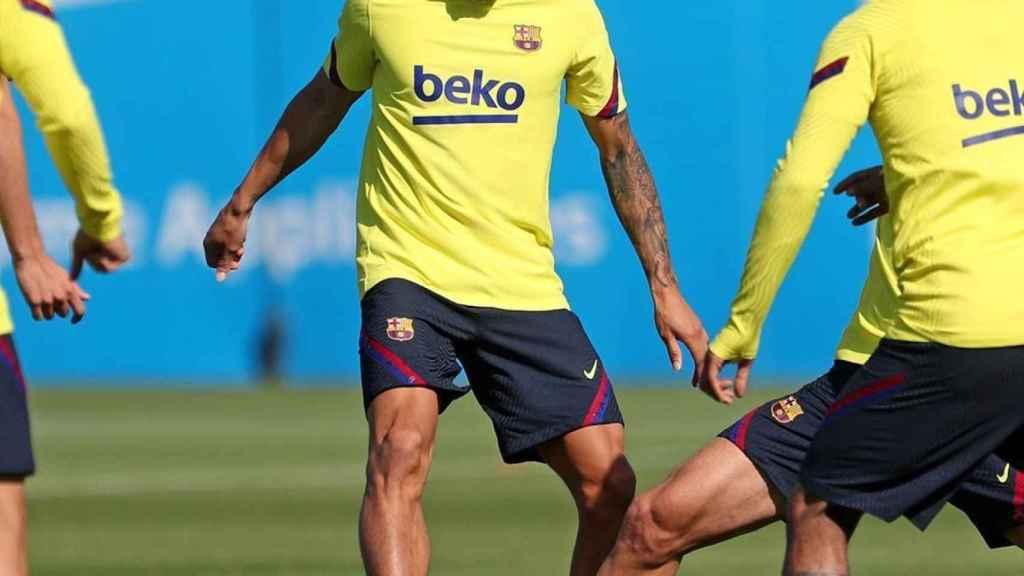 Kike Saverio en un entrenamiento con el FC Barcelona