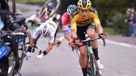 Caída de Alaphilippe en el Tour de Flandes 2020