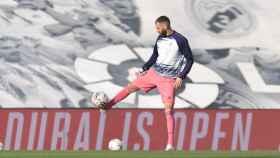 Karim Benzema, en el calentamiento del partido entre el Real Madrid y el Cádiz CF