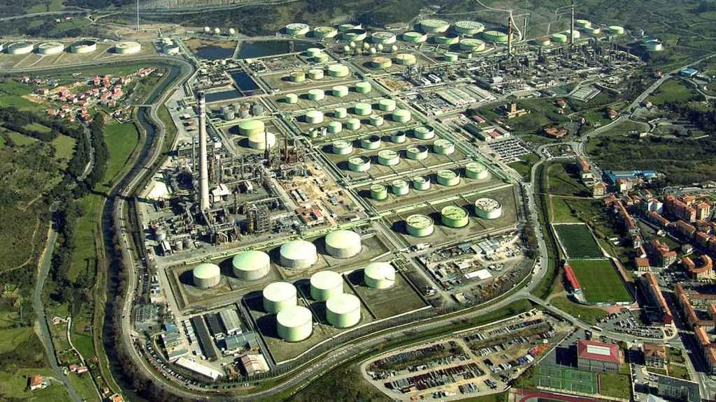 El hidrógeno renovable y el CO2 serán materias primas de los combustibles sintéticos de Repsol en Bilbao