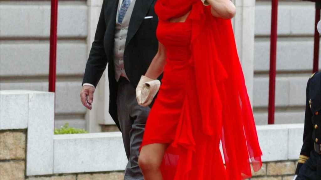 Fernando Falcó y Esther Koplowitz en la boda de los entonces príncipes de Asturias, Felipe y Letizia.