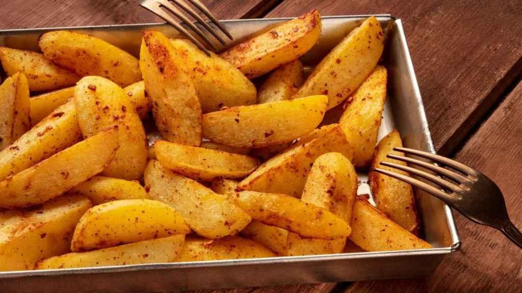 Patatas gajo al horno,  receta igual de rica pero con menos calorías