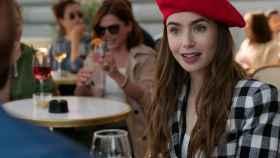 Cómo conseguir las cejas de  Lily Collins  en 'Emily in Paris' en pocos pasos