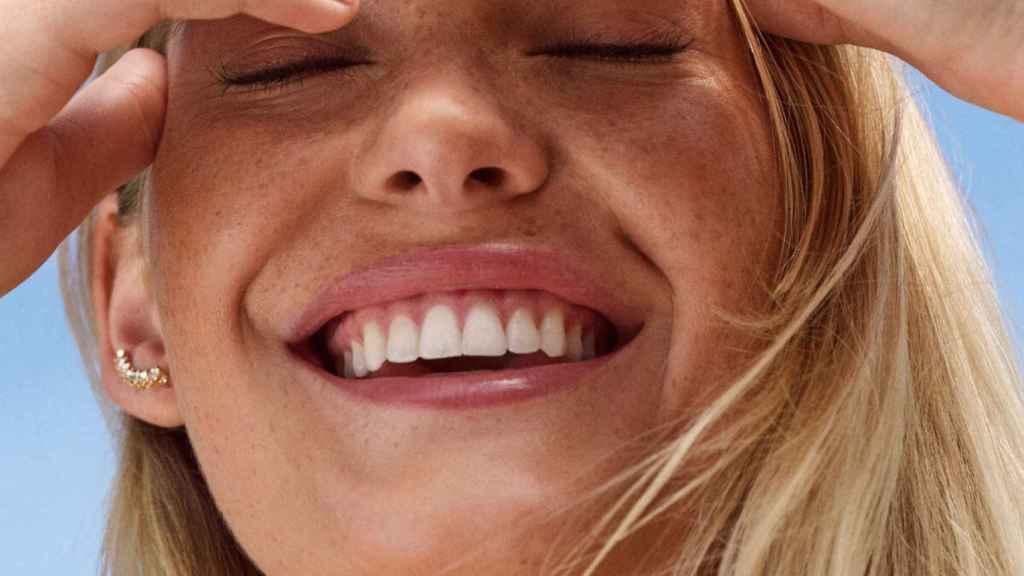 Dientes blancos, sonrisa perfecta: consíguela ahora con estos trucos y secretos de dentista