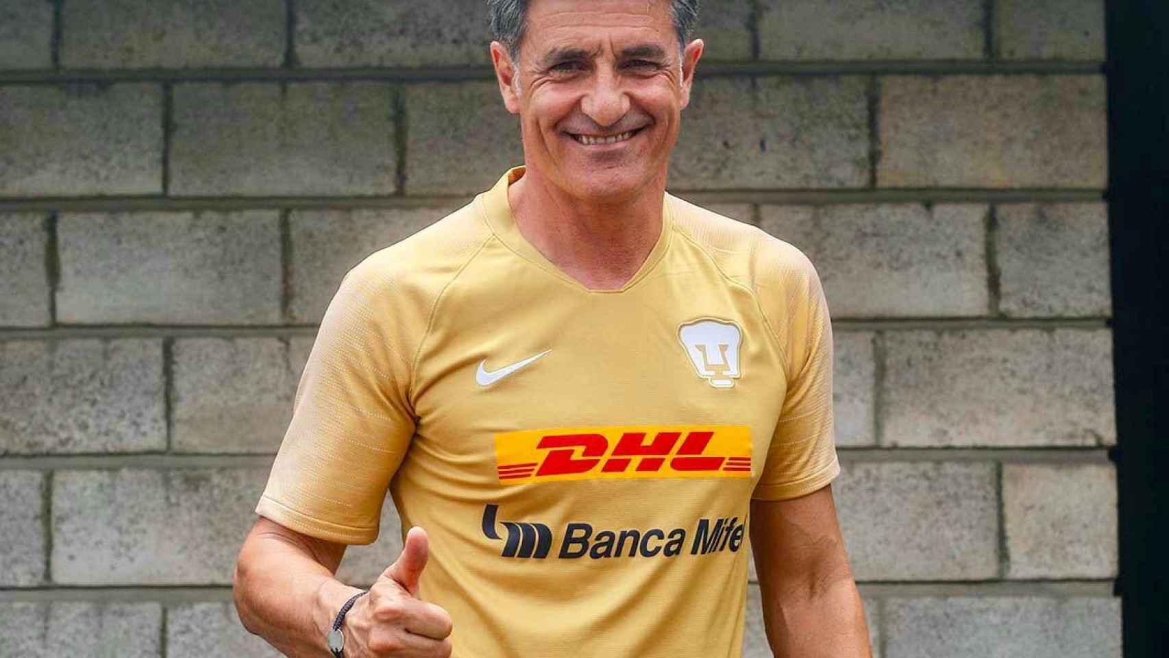 Míchel González durante su etapa en el Pumas