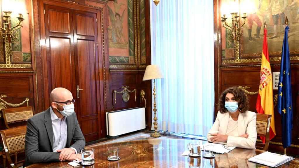 María Jesús Montero (PSOE) y Nacho Álvarez (Unidas Podemos), durante la negociación de los Presupuestos de 2021.