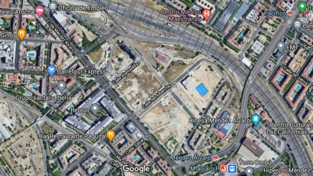 Entorno de Méndez Álvaro donde Adif subasta dos parcelas.
