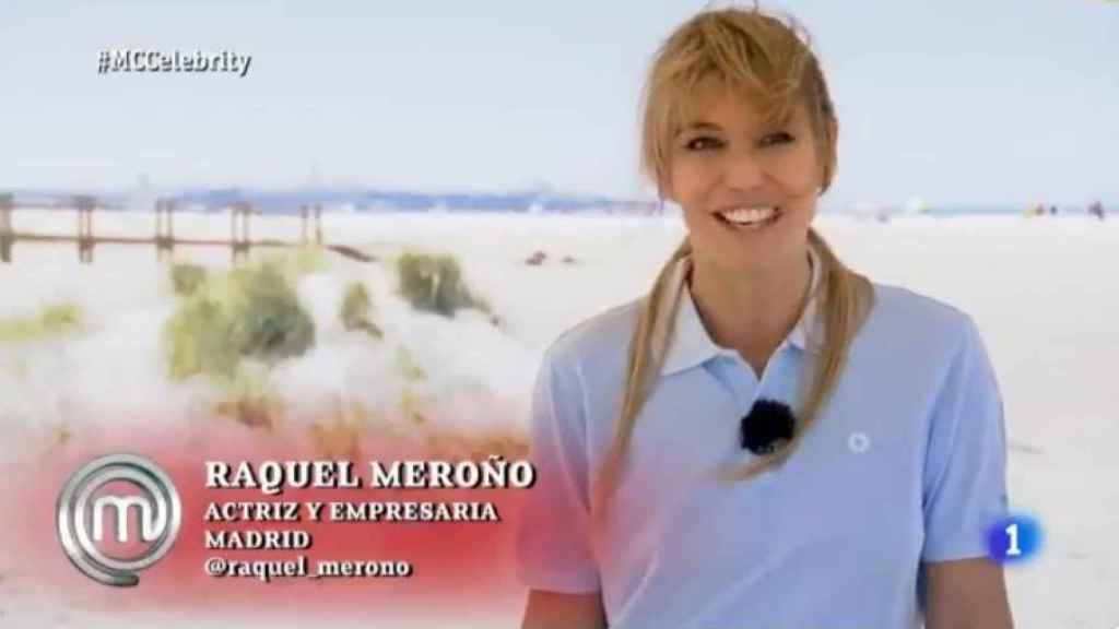 Raquel Meroño hablando orgullosa de su chiringuito.