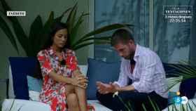 Melyssa Pinto y Tom Brusse, durante su conversación.