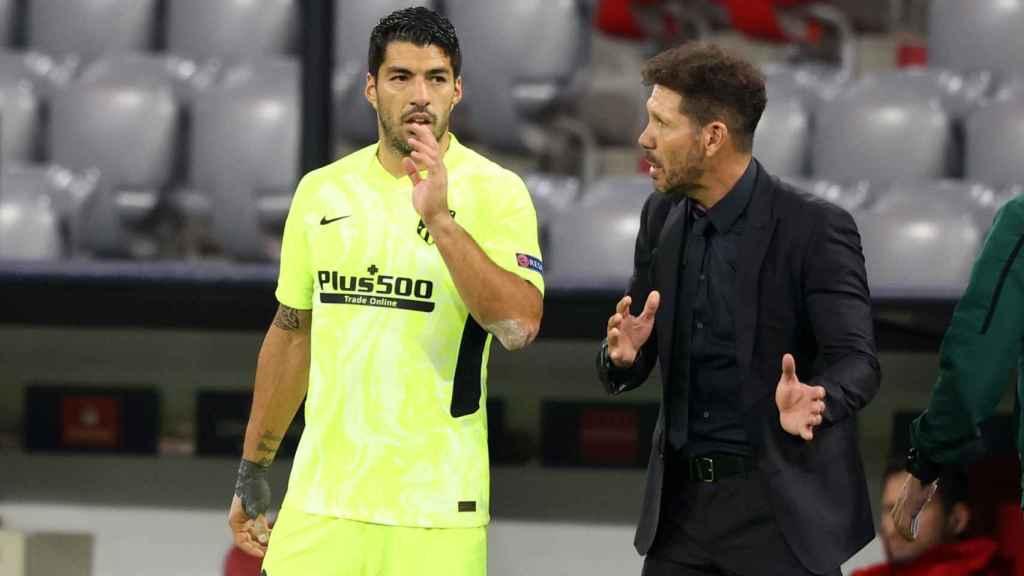 Simeone y Luis Suárez durante un partido del Atlético