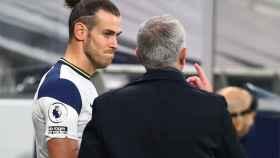 Mourinho y Bale, en un partido del Tottenham