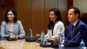 Ayuso, Aguado y Monasterio, reunidos en la Asamblea de Madrid.