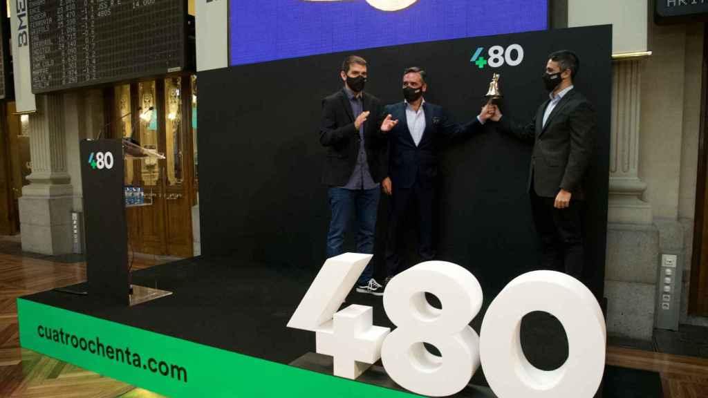 El equipo directivo de Cuatroochenta en el debut de la compañía en la Bolsa de Madrid.
