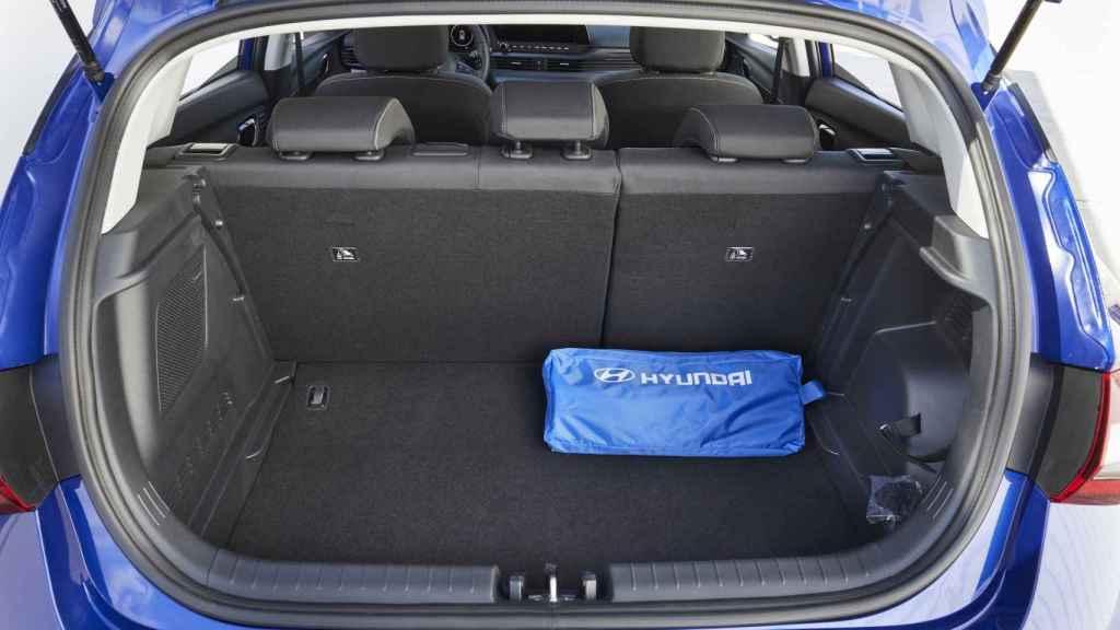 El maletero cuenta con más de 350 litros de capacidad.