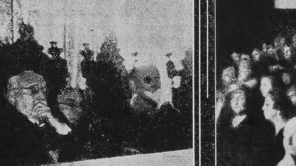 Unamuno y Millán-Astray, en la única imagen que se conserva del acto en el interior del Paraninfo.