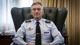 Miguel Ángel Villarroya es general del Aire y acumula 9.800 horas de vuelo.
