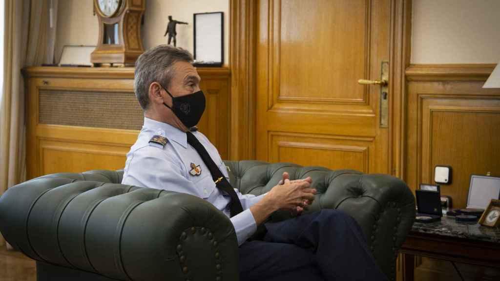 El JEMAD, en su despacho, durante la entrevista con EL ESPAÑOL.