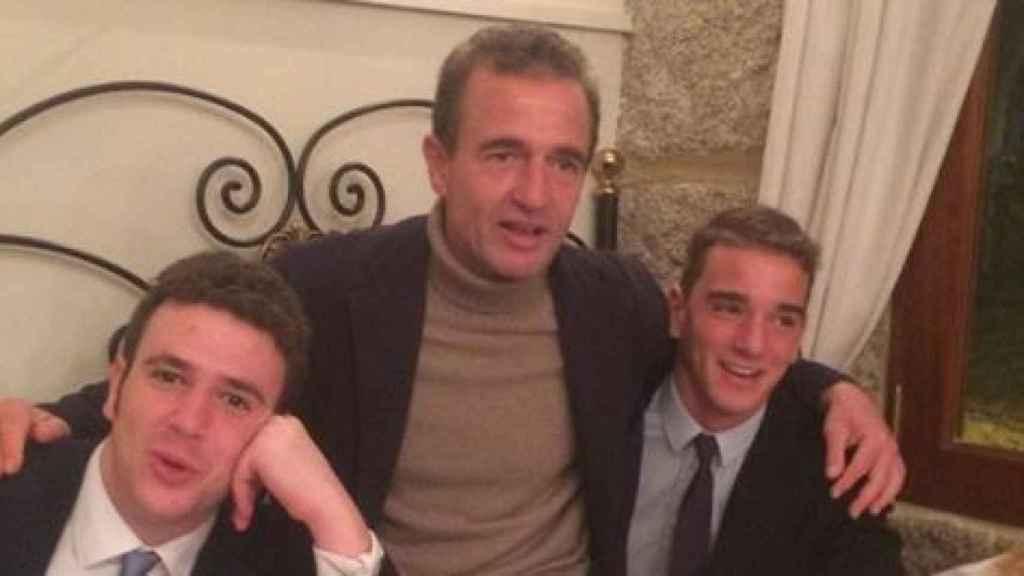 Alessandro Lequio, junto a sus hijos, Álex y Clemente, en una imagen compartida en redes sociales.