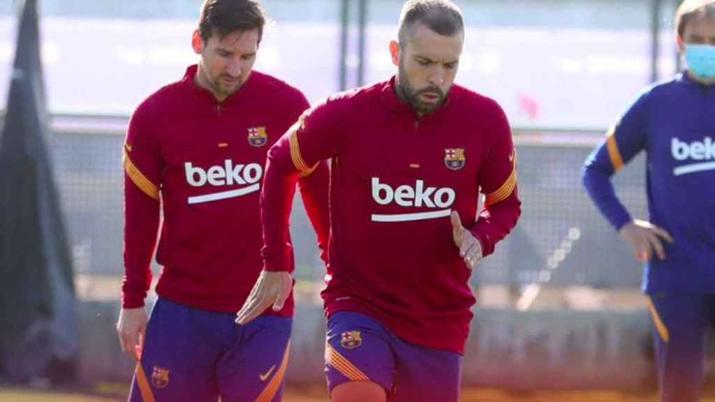 Jordi Alba, con Messi