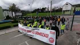 200 personas se manifiestan por mantener la planta de Siemens Gamesa en As Somozas