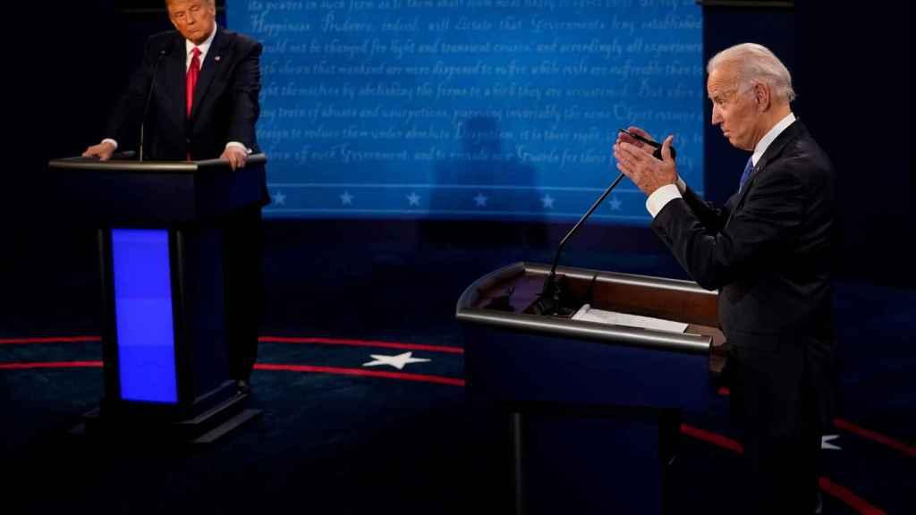 Donald Trump y Joe Biden en el segundo debate presidencial.