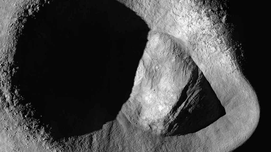Imagen del cráter Ryder tomada por la sonda de la NASA LRO
