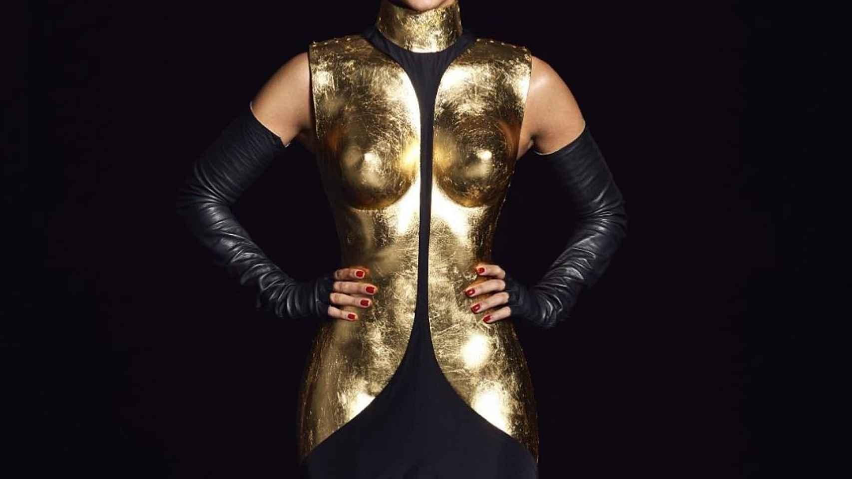 Cristina Pedroche, luciendo su diseño para dar las Campanadas de 2019.