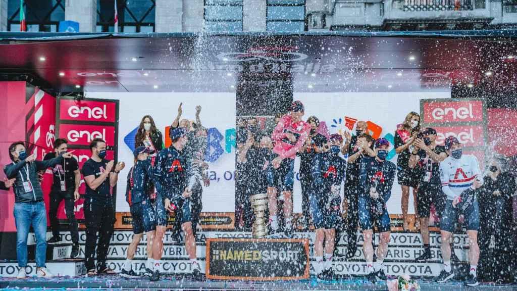 INEOS celebra su triunfo en el Giro de Italia 2020