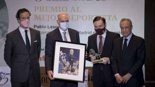 Eduardo Petrossi, Consejero Delegado de Mahou San Miguel,  Pablo Laso, Pedro J. Ramírez y Florentino Pérez