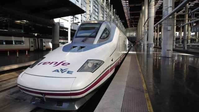 Durante el mes de noviembre solo 358.000 usuarios utilizaron el AVE como medio de transporte.