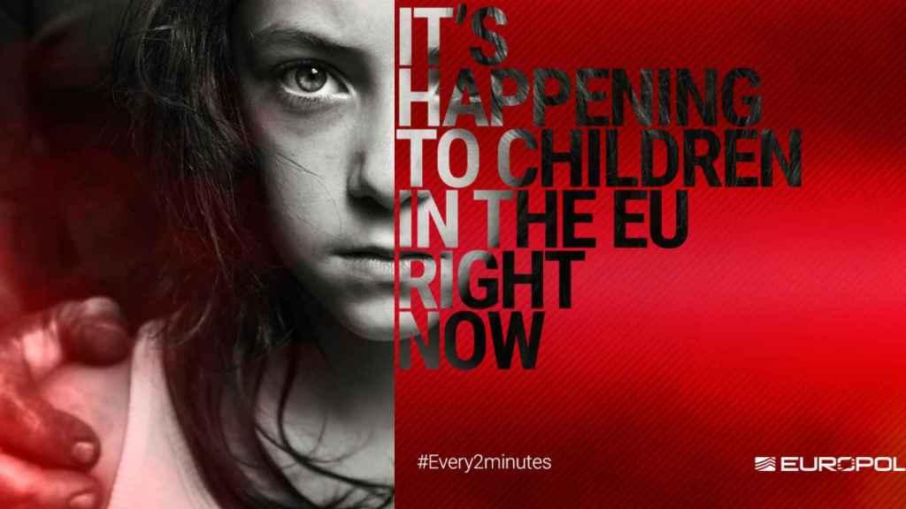 Cartel de la campaña de Europol para concienciar sobre la pederastia dentro de la UE.