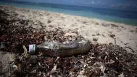 Cada año se vierten al Mediterráneo 229.000 toneladas de plástico, según UICN.
