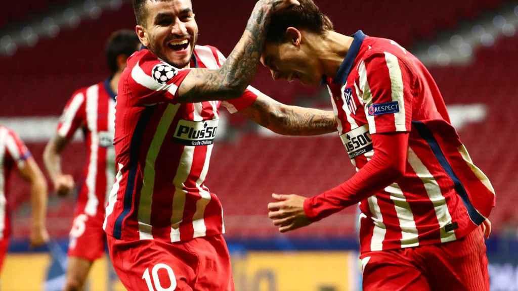 Joao Félix y Correa celebran un gol con el Atlético de Madrid