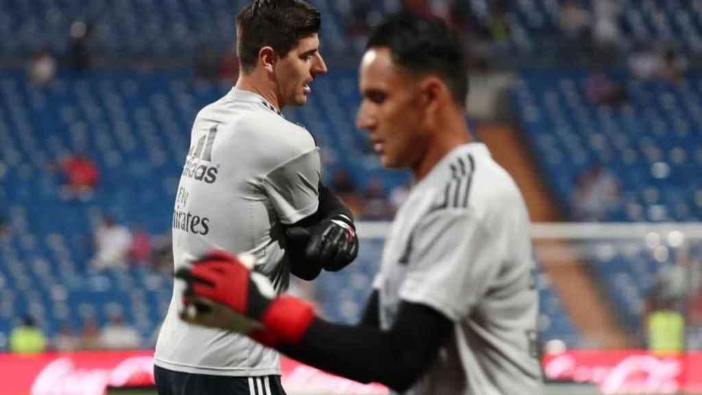 Courtois y Keylor Navas entrenando con el Real Madrid