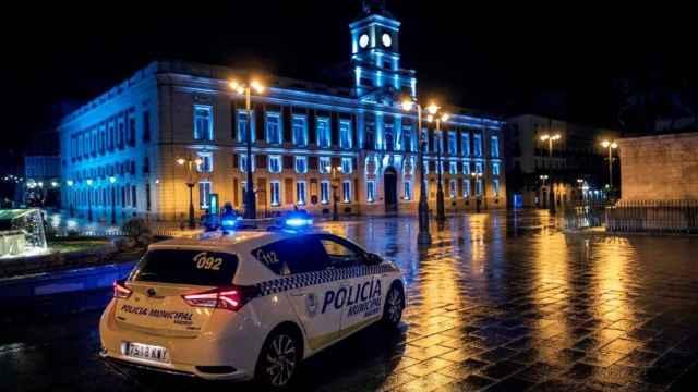 La Puerta del Sol, vacía tras el decreto del toque de queda.