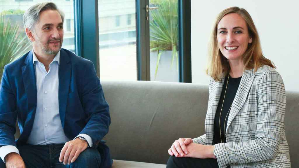 Paloma Real (directora general de Mastercard España) y Narciso Perales (director general de Orange Bank España)