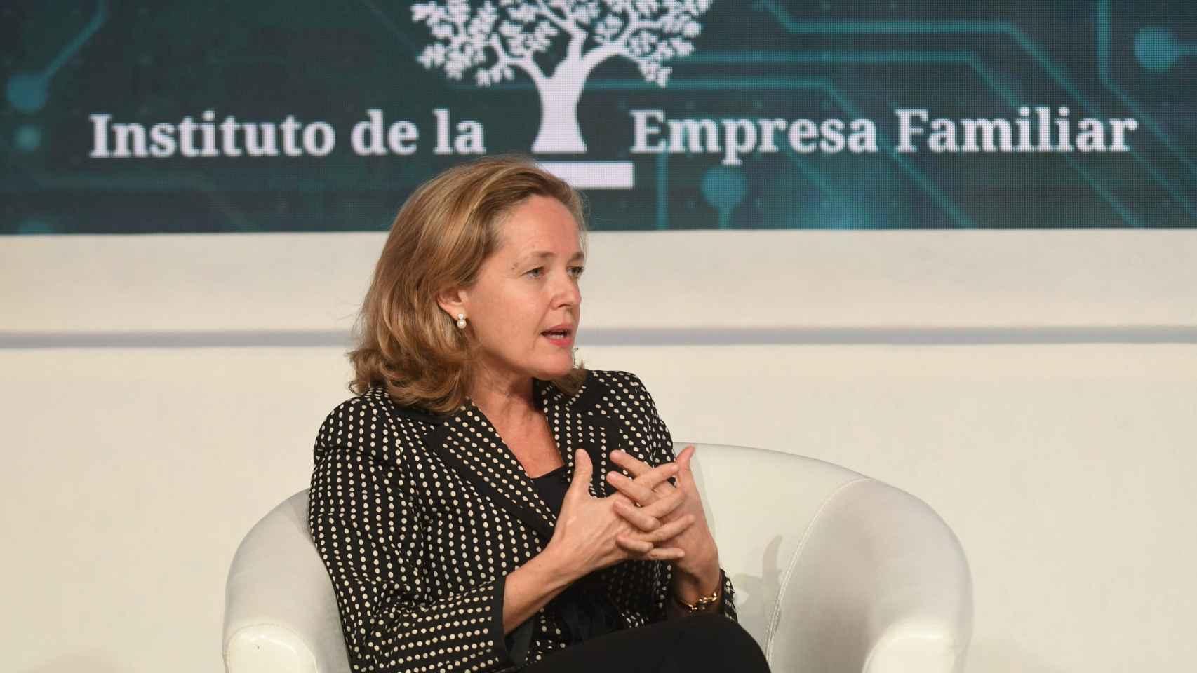 La empresa familiar pide a Calviño que el Gobierno no ponga trabas a las empresas mientras no baje el paro