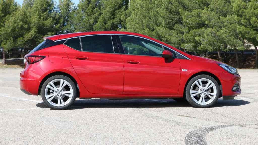 Este Opel Astra es uno de los últimos modelos de la era General Motors.
