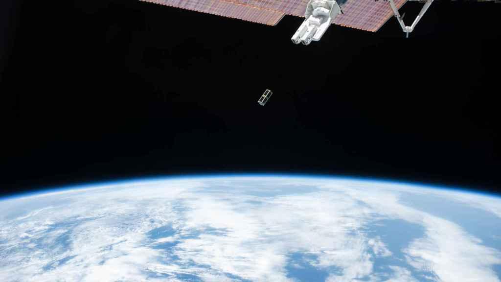 Satélite Serpens fotografiado desde la Estación Espacial Internacional