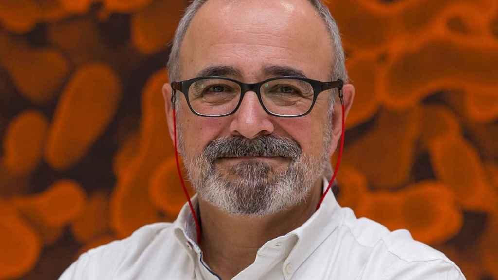El microbiólogo Ignacio López-Goñi.