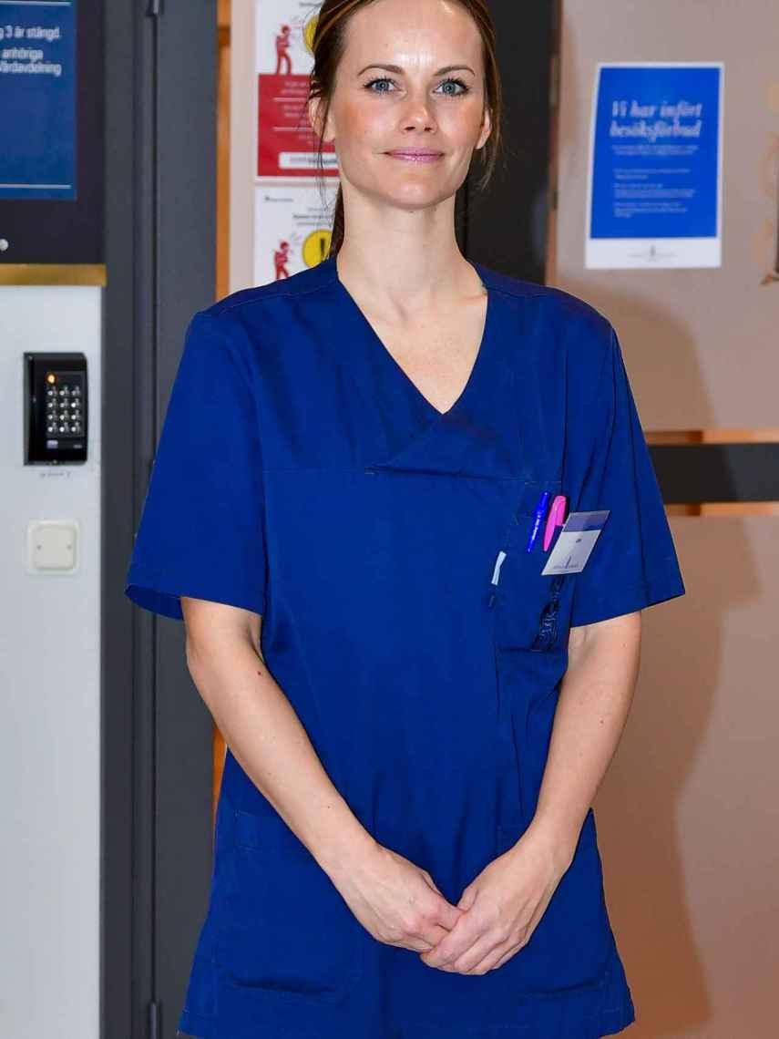 Sofía de Suecia, de voluntaria en un hospital.