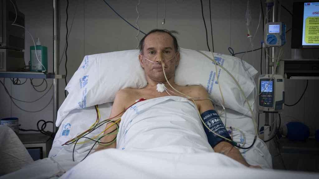 Emiliano entró en la UCI el 15 de abril y aún sigue en el hospital.
