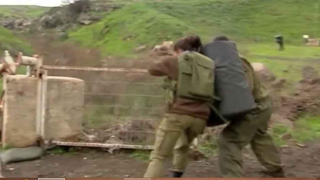 Una mujer soldado israelí, durante un entrenamiento.