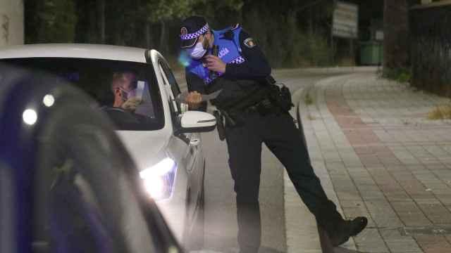 Policía Local de Palencia durante el toque de queda 18