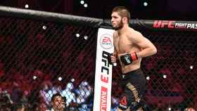 Khabib, durante un combate de la UFC