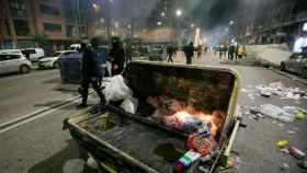 Más de un centenar de personas han protagonizado esta noche graves disturbios en la ciudad de Burgos.