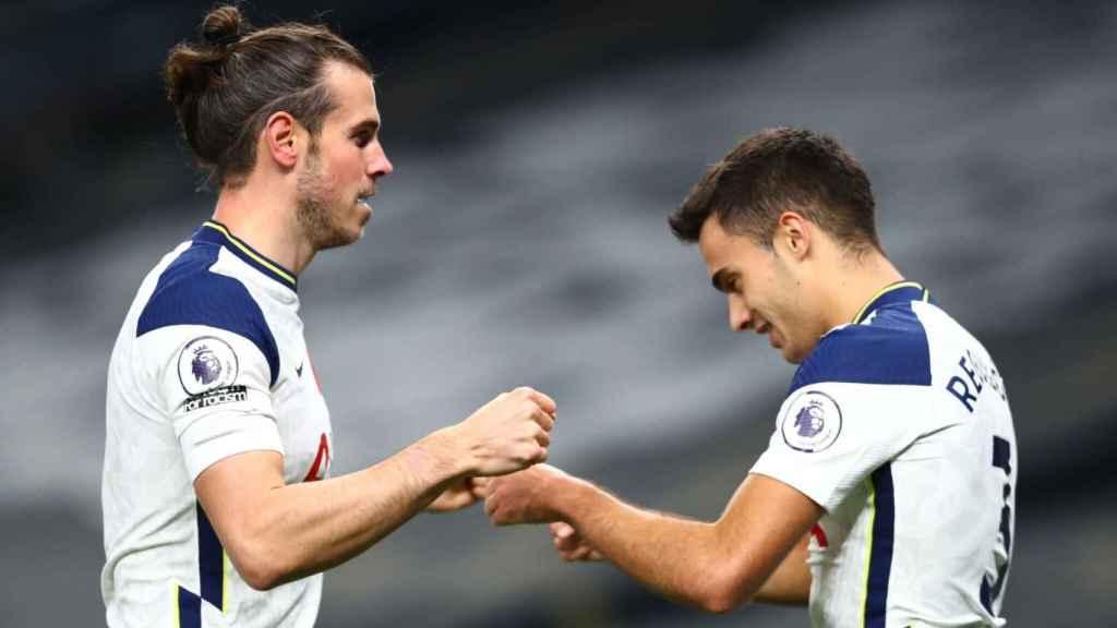 Bale y Reguilón celebran un gol
